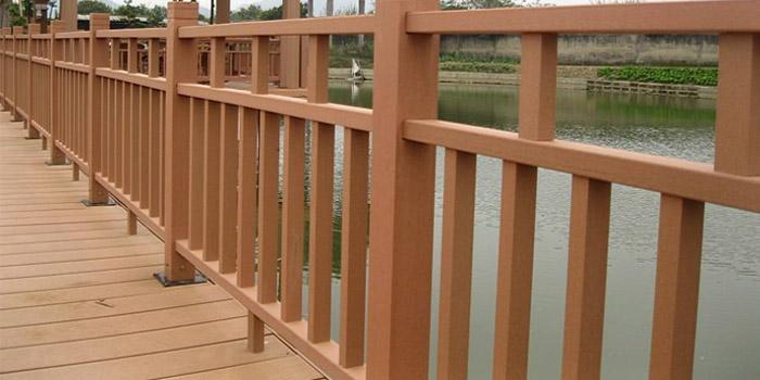 为什么说塑木护栏是设计园林主要选择的材质?