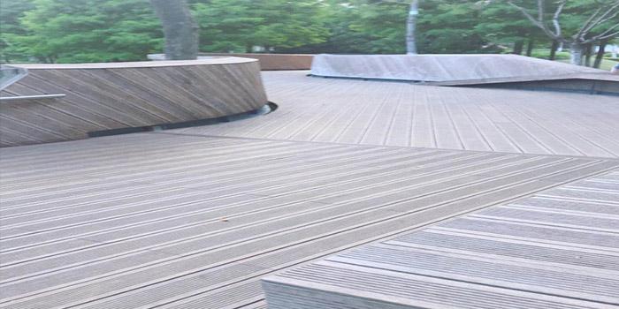 舜腾木塑分享对比塑木地板还有实木地板中的差别!